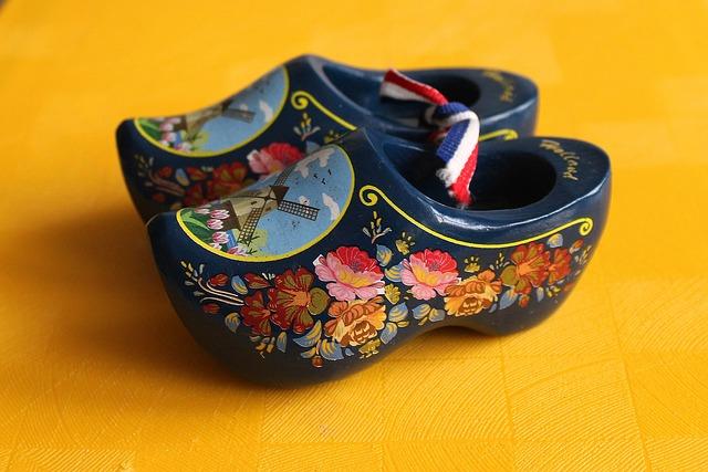 נעליים הולנדיות