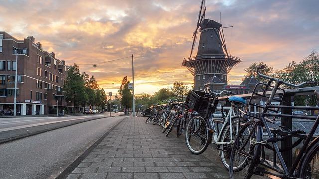טיסה לאמסטרדם