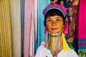שבט ארוכות הצוואר בתאילנד