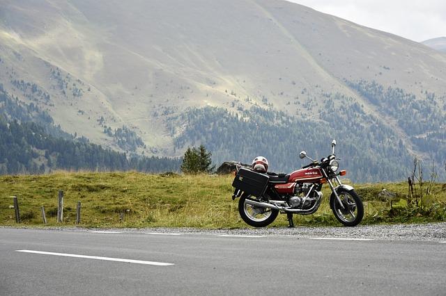 טיול על אופנוע