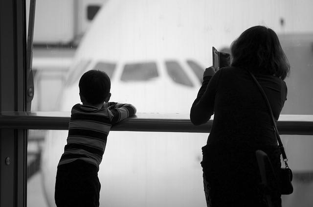 טיסות ארוכות עם ילדים