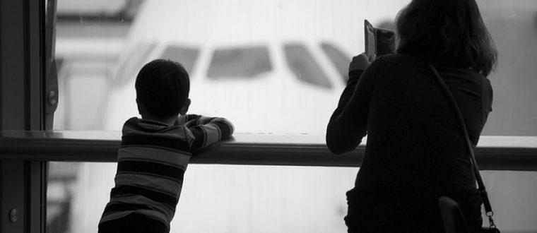 6 דרכים להעביר טיסות ארוכות עם ילדים